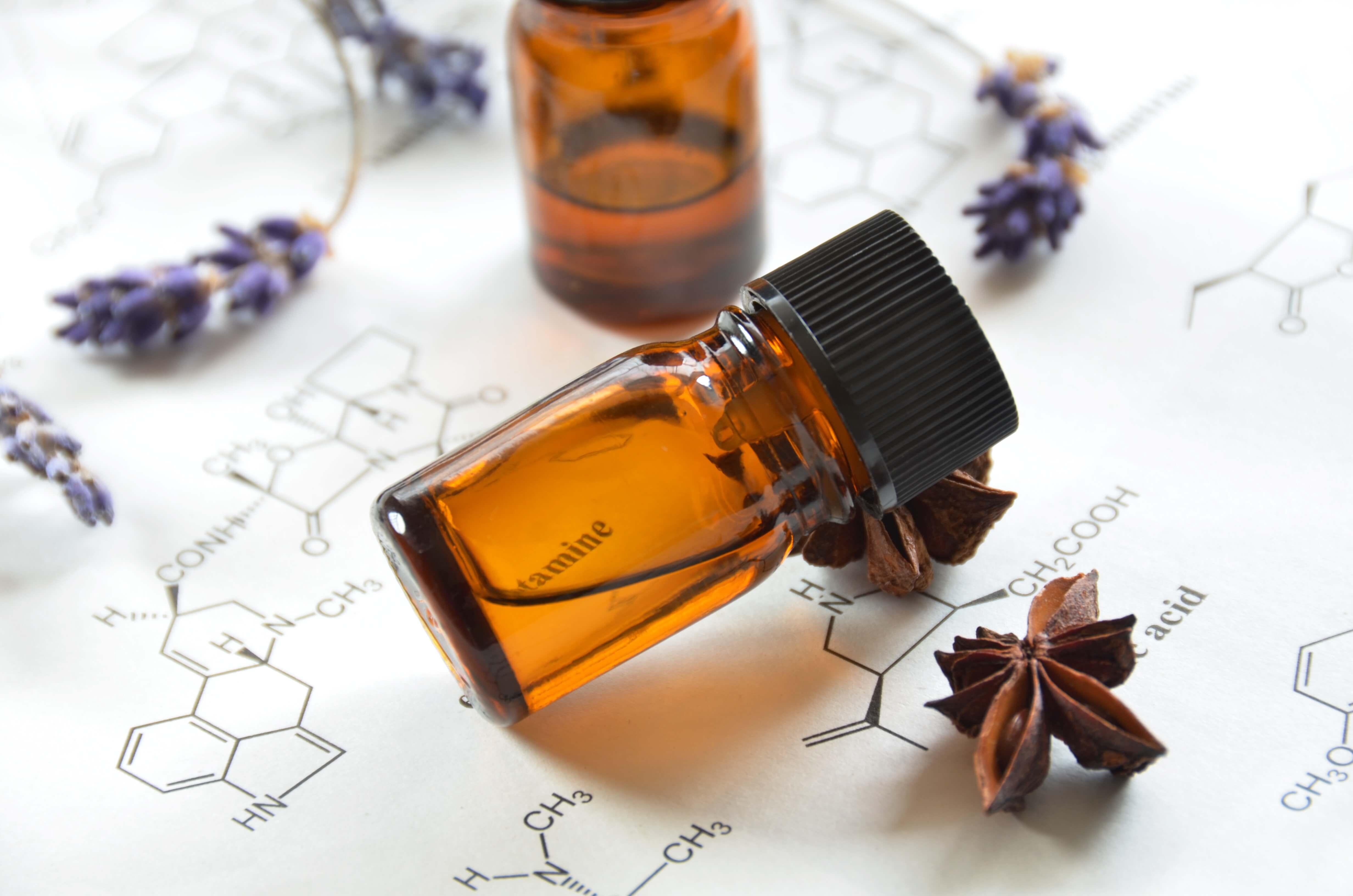 huiles essentielles biochimie